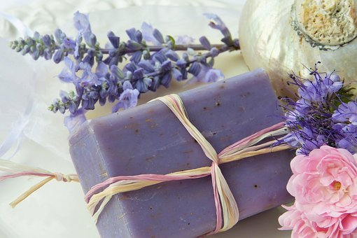 Herbal Soap Making – Are You Treating Your Skin to the Best Soap?